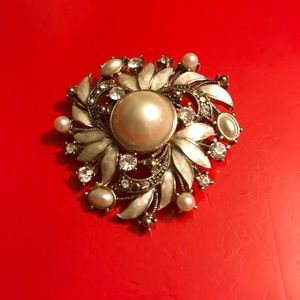 Vintega Monet Faux Pearl and CZ s Brooch